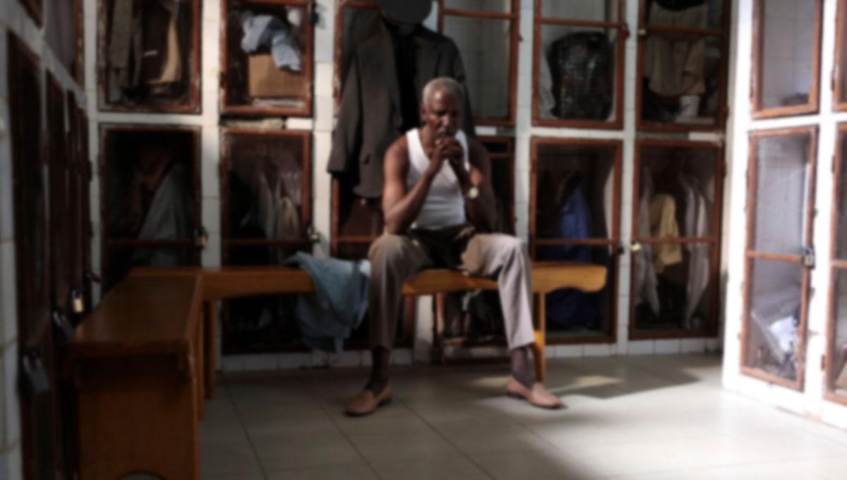 Youssouf Djaoro spelar huvudrollen i En man som skriker.