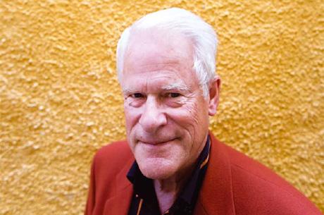 Ingvar Carlsson, dåvarande framtidsminister, medverkade i Jan Troells Sagolandet (1988).