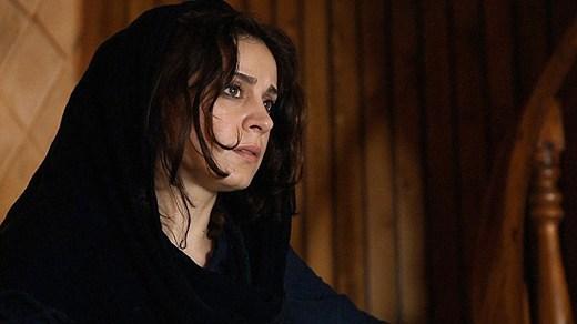 Maryam Moghaddam i Closed curtain