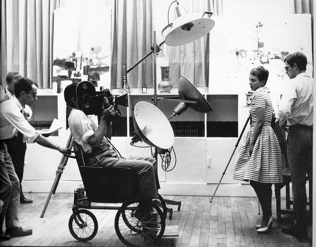Godard skjutsar omkring Coutard under inspelningen av Till sista andetaget (Godard, 1960)