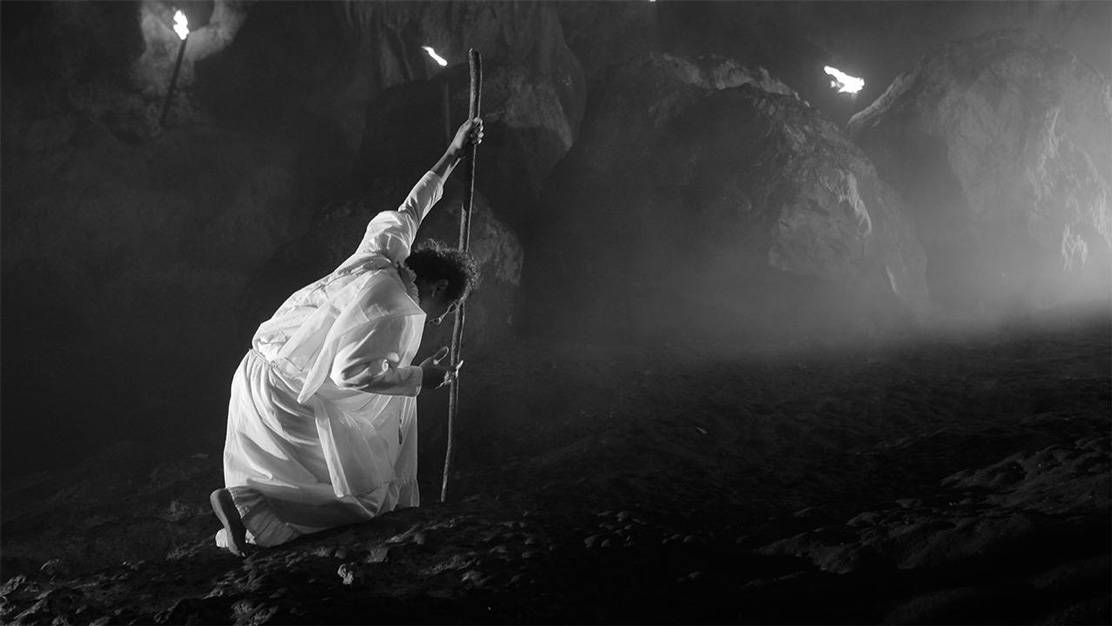 A lullaby to the sorrowful mystery (Lav Diaz, 2016)