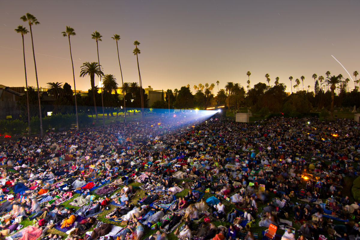 Cinespia visar film på Hollywood Forever Cemetery.