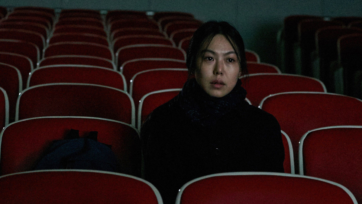 On the beach at night alone (Hong Sang-soo, 2017)