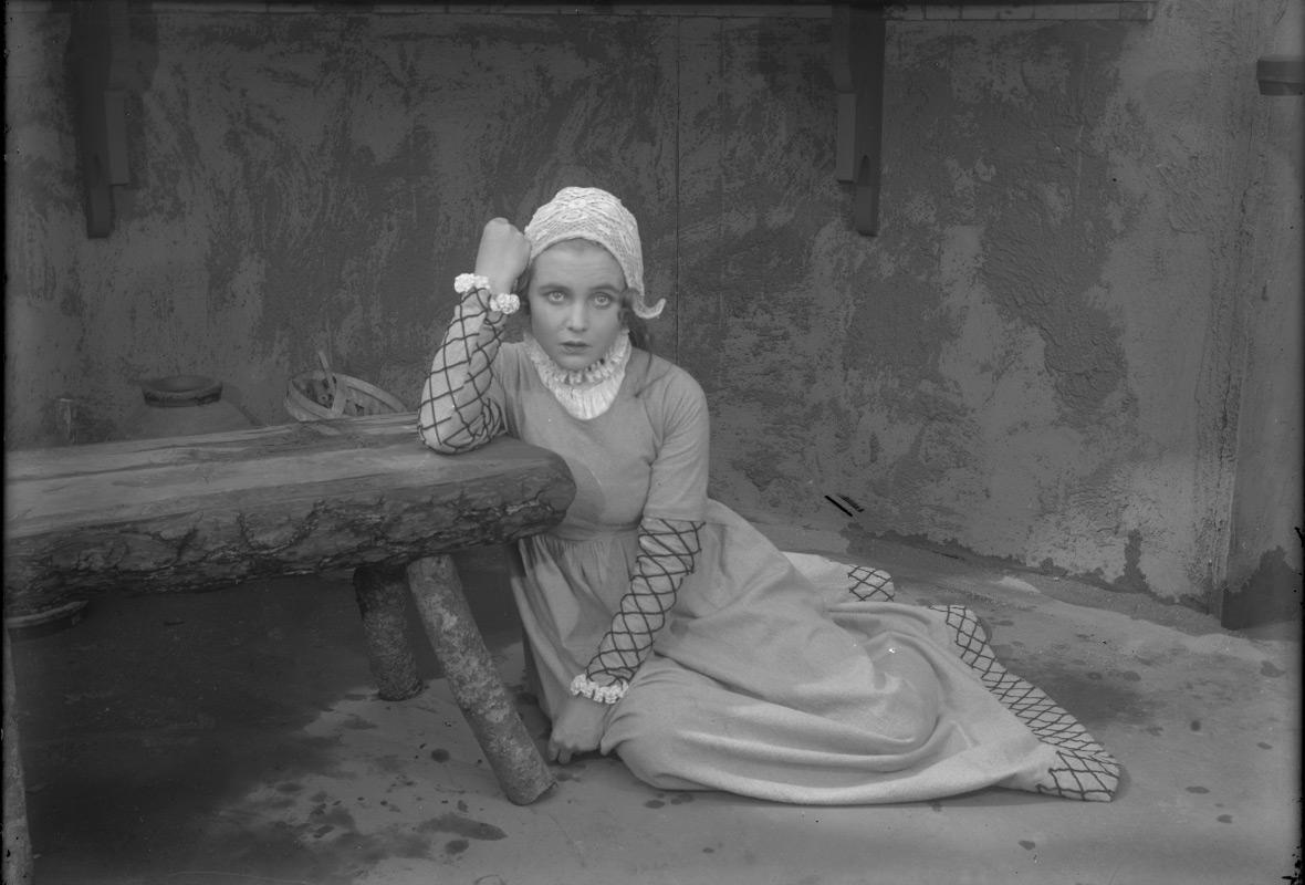 Mary Johnson som Elsalill i Herr Arnes pengar (1919).
