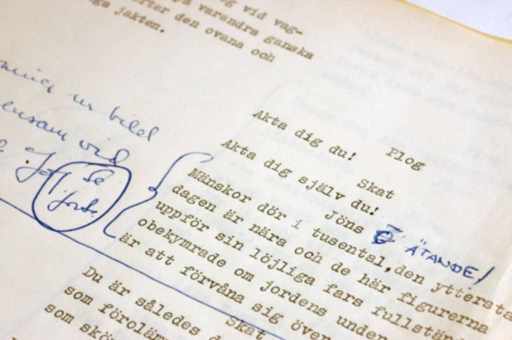 Sida ur Ingmar Bergmans manus till Det sjunde inseglet från 1957